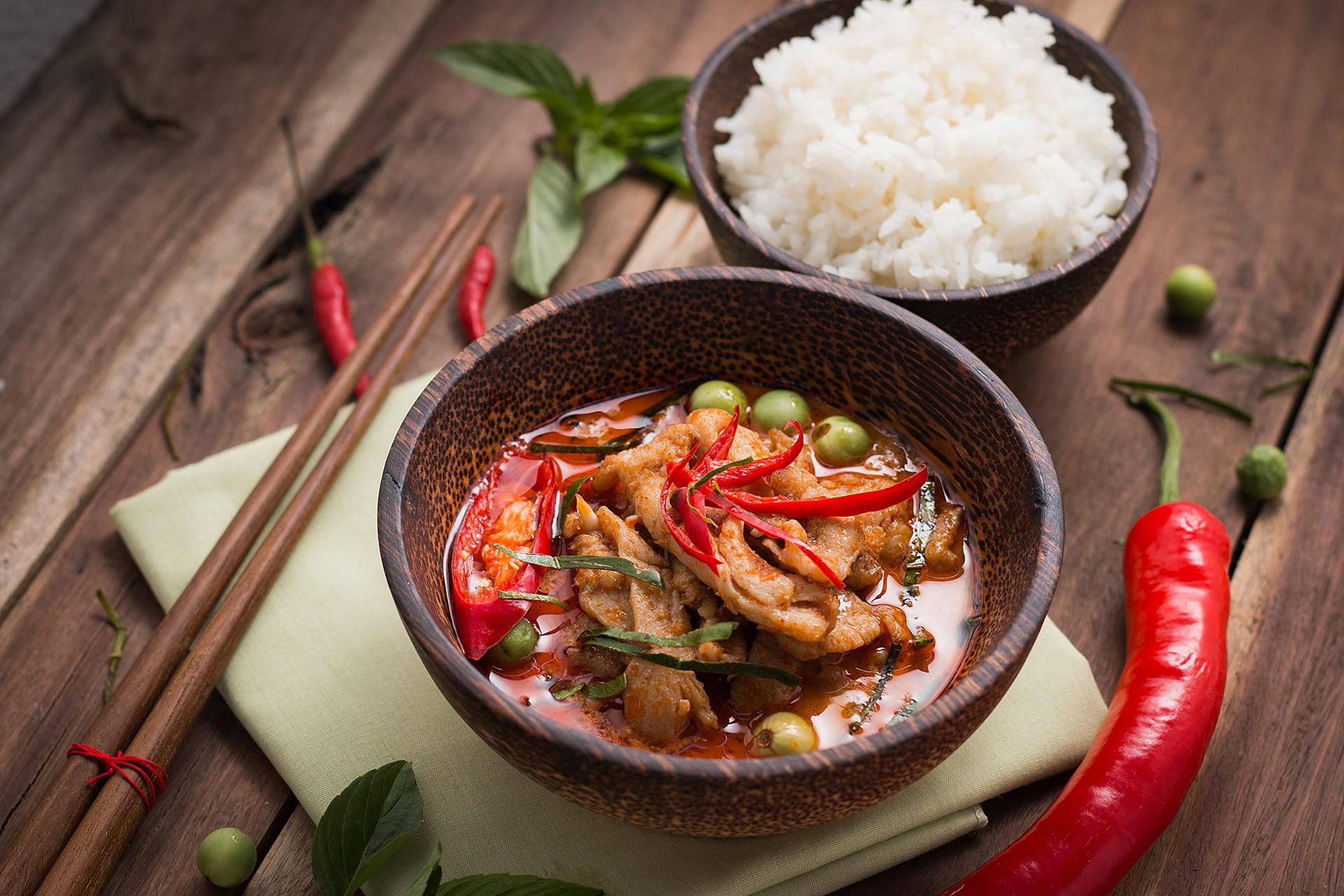 Het meest geliefde Thaise takeout restaurant vlakbij Hoevenen